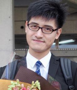 Lee  Weichen<br/>(リー ウェイチェン)